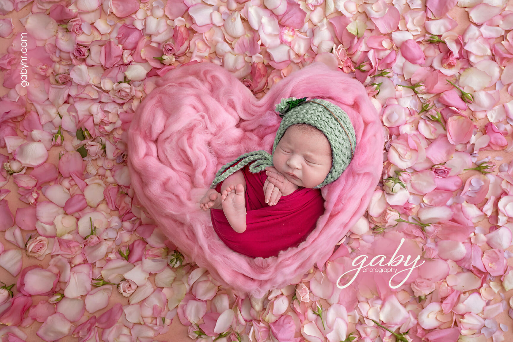 5 Essential Qualities of the Best Baby Photographer | Gaby